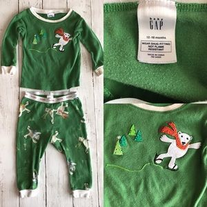 Baby Gap 12-18 mo green polar bear pajamas 2 piece